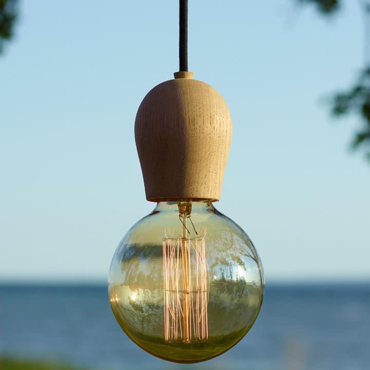Atmosphärisches Glitzern mit der Sparkle Glühbirne und Bright Sprout von Nordic Tales