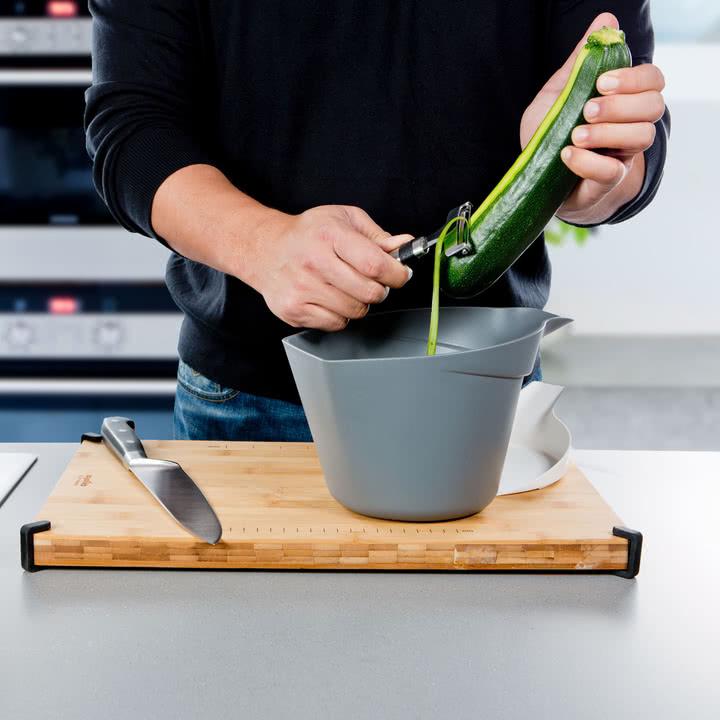 Royal VKB - Chop Organizer, weiß - Schälen von Gemüse