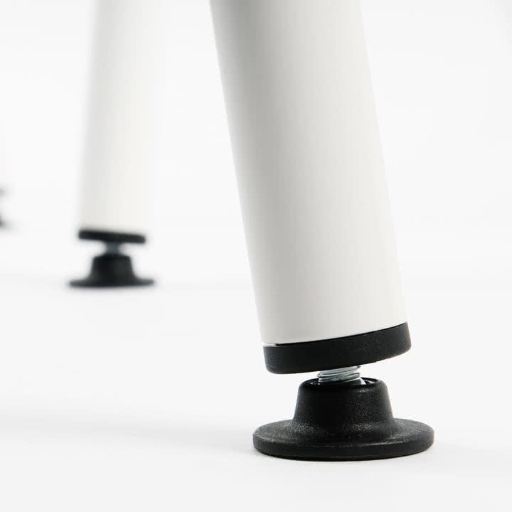 Höhenverstellbare PA-Füße