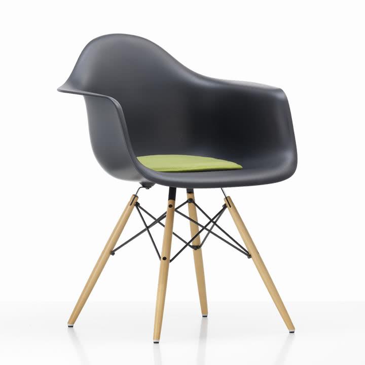 Vitra - Seat Dots Sitzkissen, grün/ lindgrün - Plastic Arm Chair