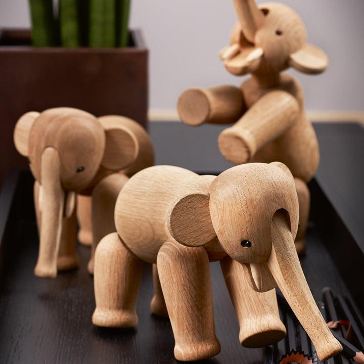 Eine Herde von Holz-Elefanten