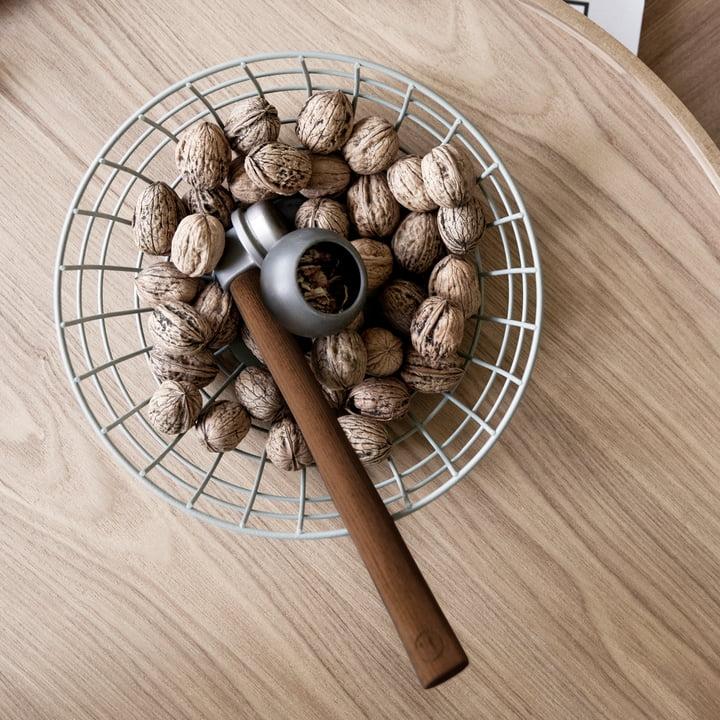 Menu - Nusshammer und Nüsse
