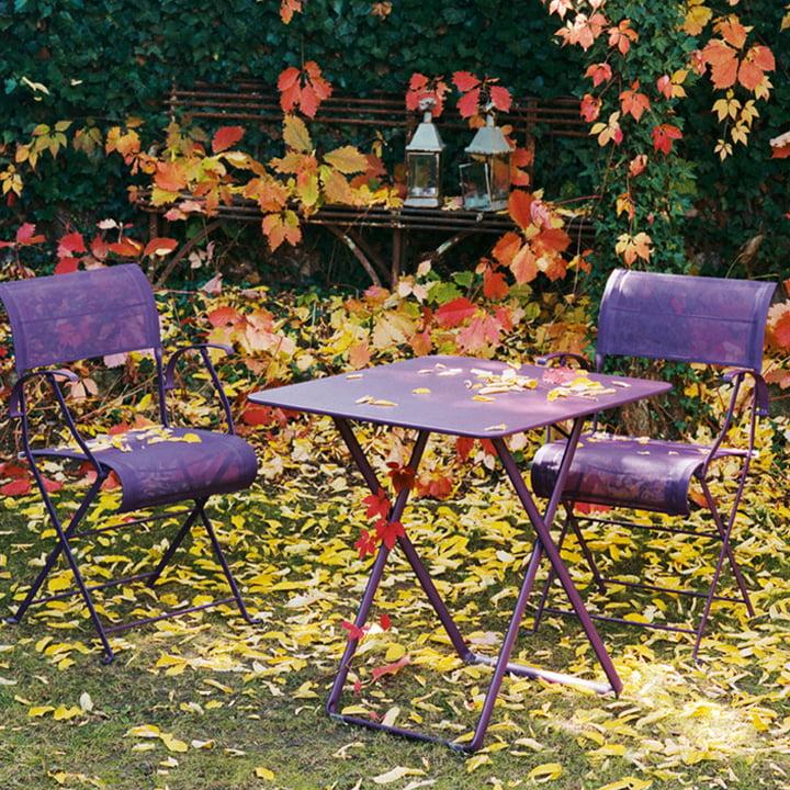 Bistro Tisch & Dune Klappsessel von Fermob