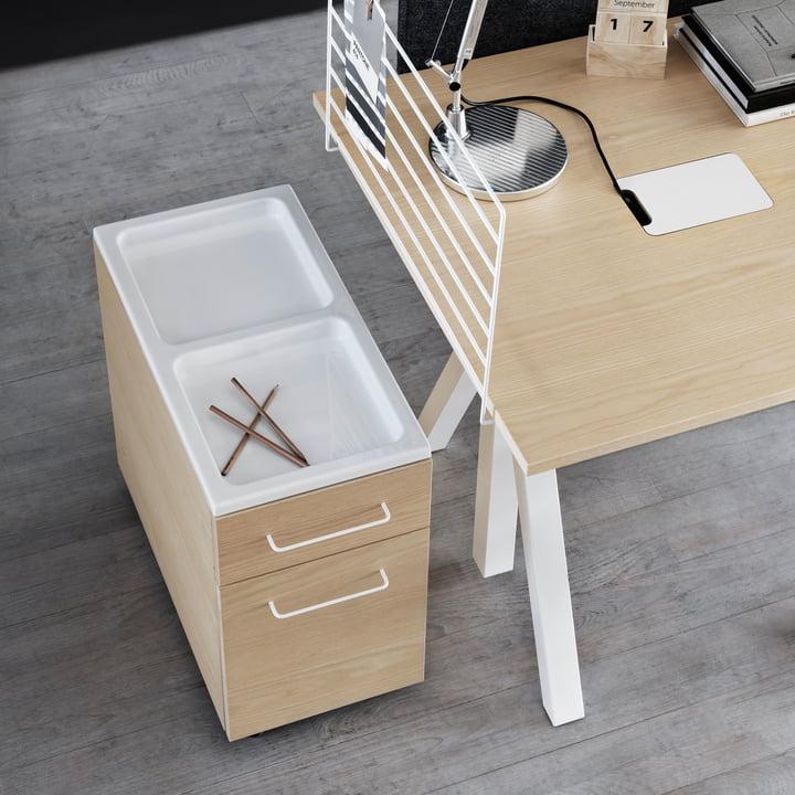 Works Schubladenschrank auf Rollen und Schreibtisch von String