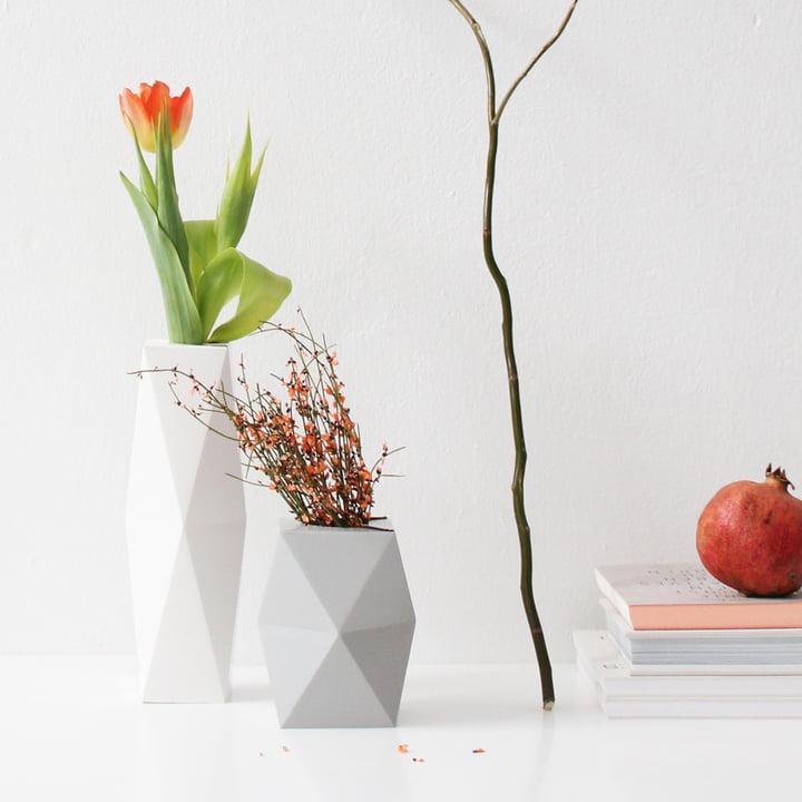 snug.vase low und high von Snug.studio in weiß und grau