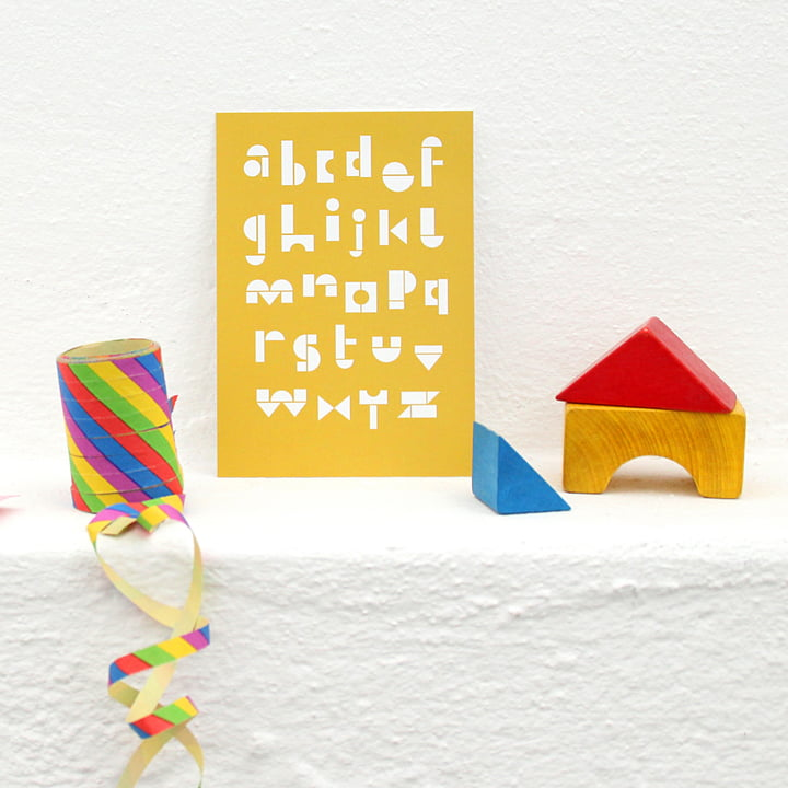 snug.abc Postkarte von Snug.studio in gelb