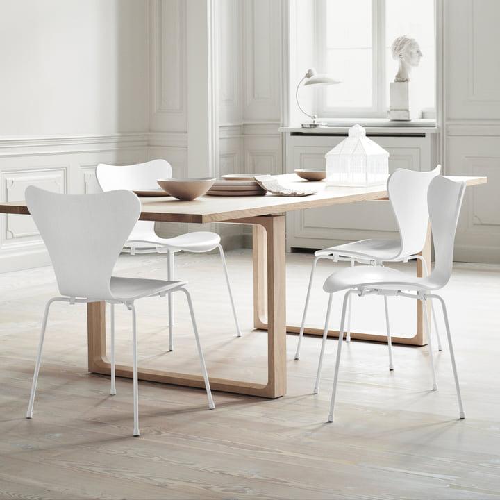 Fritz Hansen - Serie 7 Stuhl, Monochrom weiß