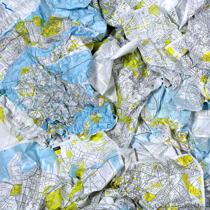 Crumpled City Map von Palomar