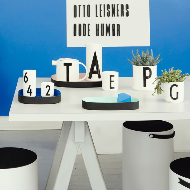 hocker aufbewahrung von design letters im shop. Black Bedroom Furniture Sets. Home Design Ideas