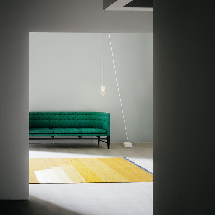 Another Rug Teppich und Marble Light Pendelleuchte V7 von &Tradition
