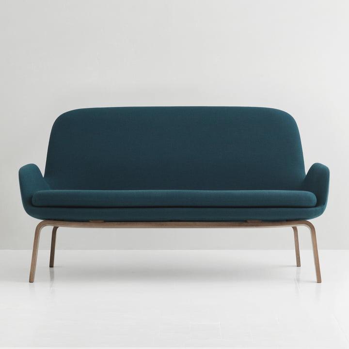 Era Sofa von Normann Copenhagen aus Wallnuss in Fame Hybrid Türkis