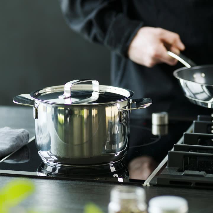 All Steel Kochtöpfe und Pfannen von Fiskars für ein einmaliges Kocherlebnis