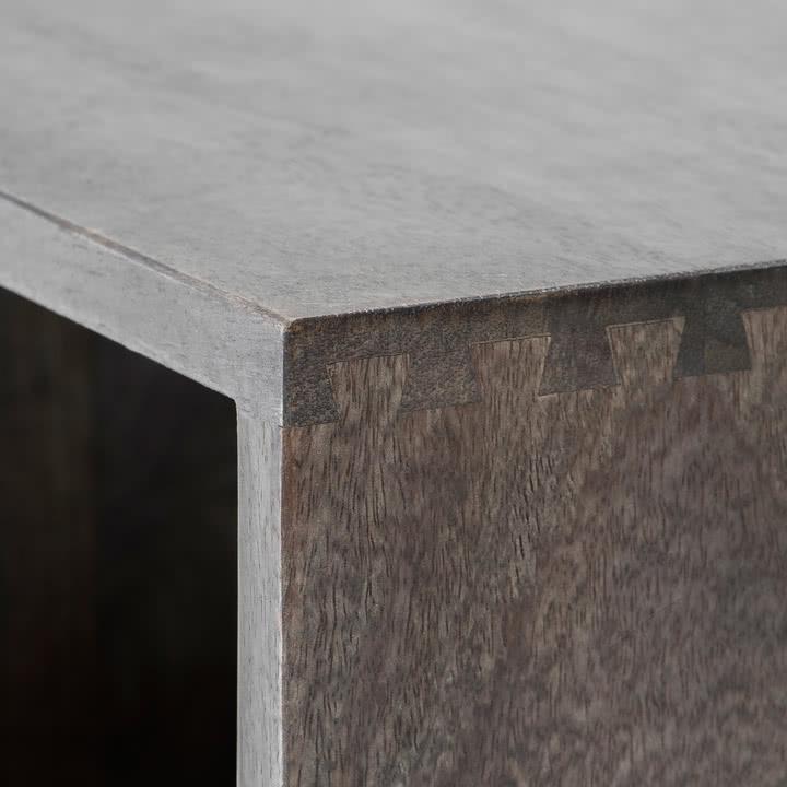 Box System von Mater in sirka-grau gebeizt