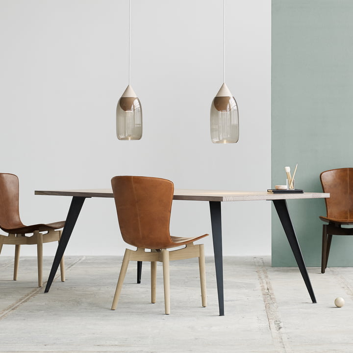 Dining Table und Shell Dining Chair von Mater