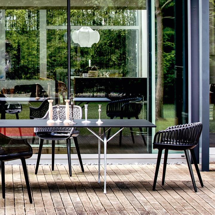 Cyborg Stühle & Officina Table in Schwarz