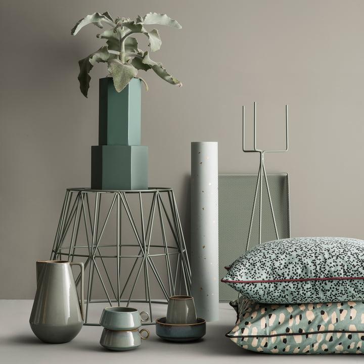 Hexagon Topf und Vase mit Pflanzenständer von ferm Living