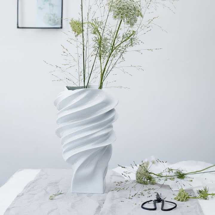 Die Squall Vase von Rosenthal mit einer Größe von 32 cm