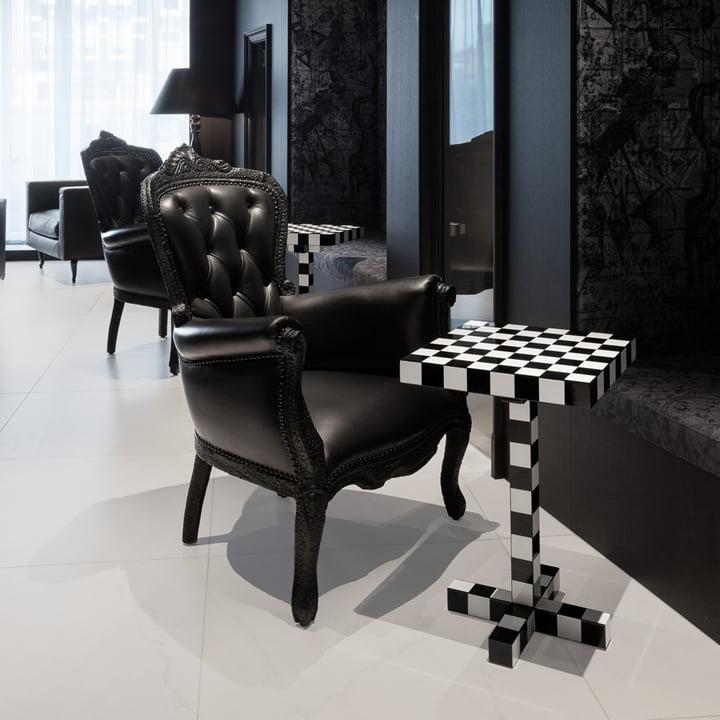 chess table von moooi im shop kaufen. Black Bedroom Furniture Sets. Home Design Ideas