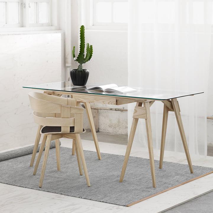 Leicht zusammenzubauender Schreibtisch