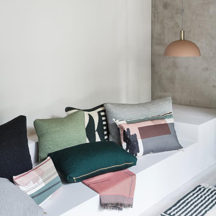 Colour Block Kissen und Tagesdecke von ferm Living mit Dome Shade