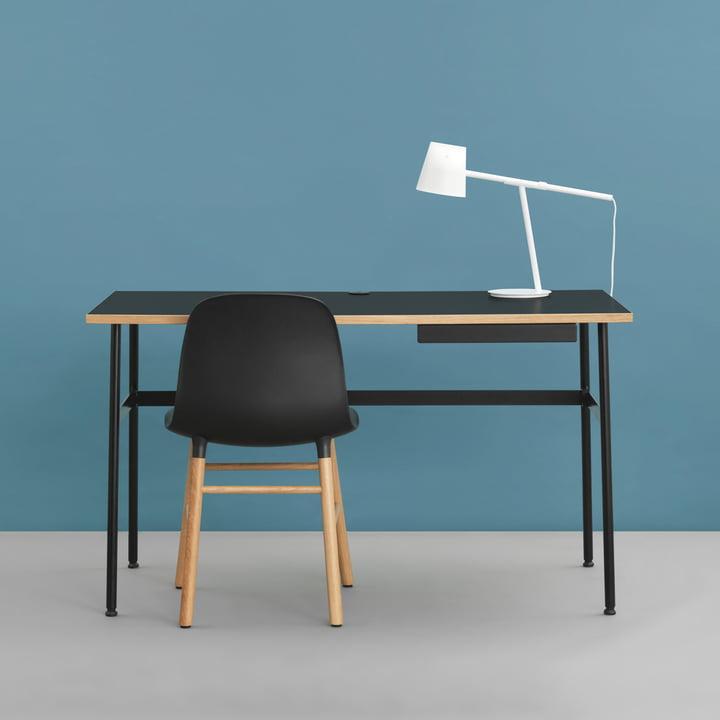 Journal Desk, Form Chair und Momento Tischleuchte