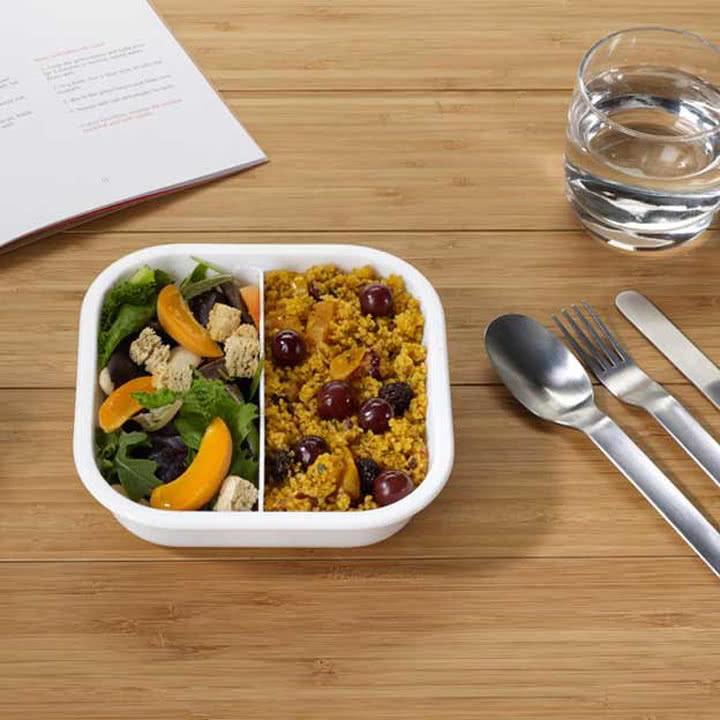 Lunch Box und Besteck von Black + Blum