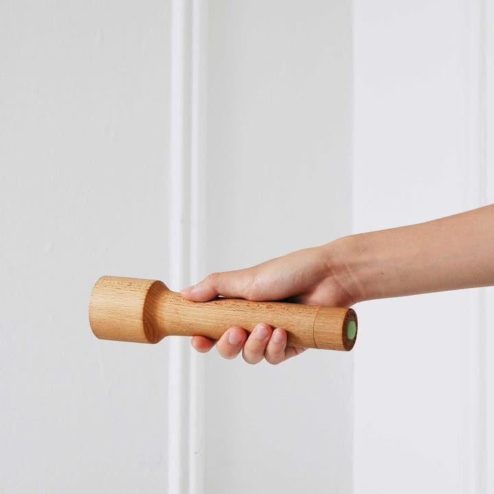 Die Areaware - Torch Holz-Taschenlampe