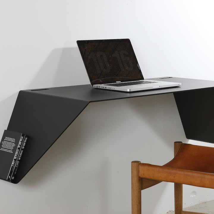 Desk01 von Nichba Design in Schwarz
