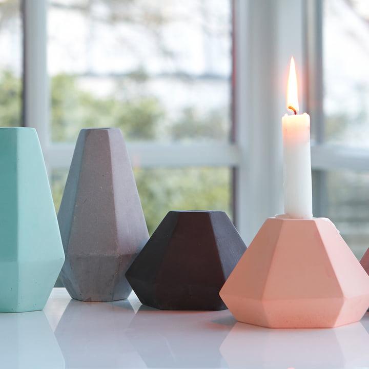 Die verschiedenen Formen des Beton Kerzenhalters von Korridor