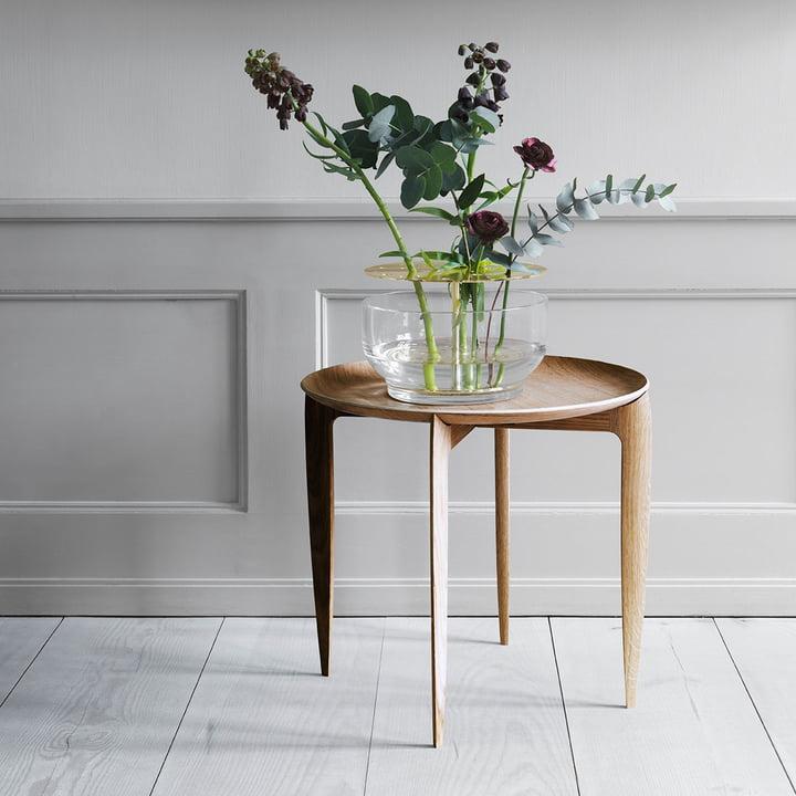Beistelltisch und Ikebana Vase von Fritz Hansen