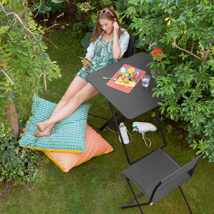 Plein Air Tisch und Stuhl von Fermob