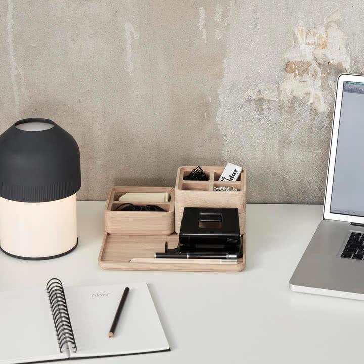 Create Me Kollektion von Andersen Furniture auf dem Schreibtisch