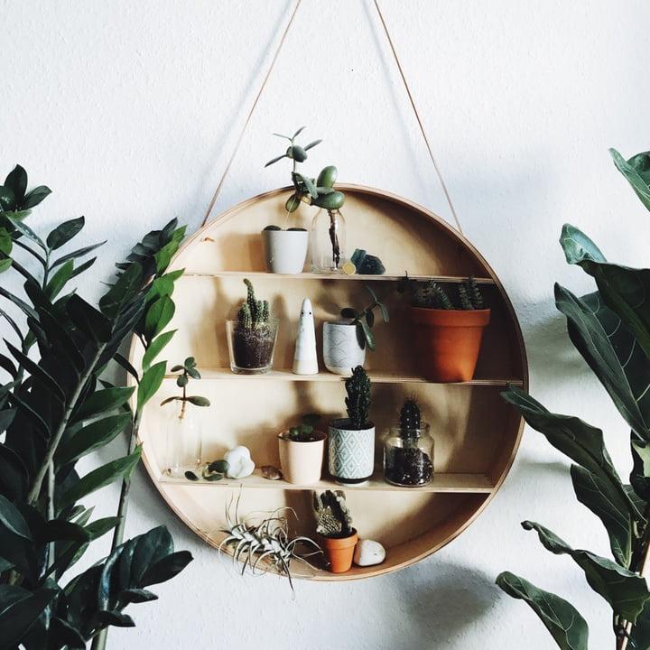 Gut Das Holz Regal The Round Dorm Wall Hanging Von Ferm Living Mit Viel  Dekoration