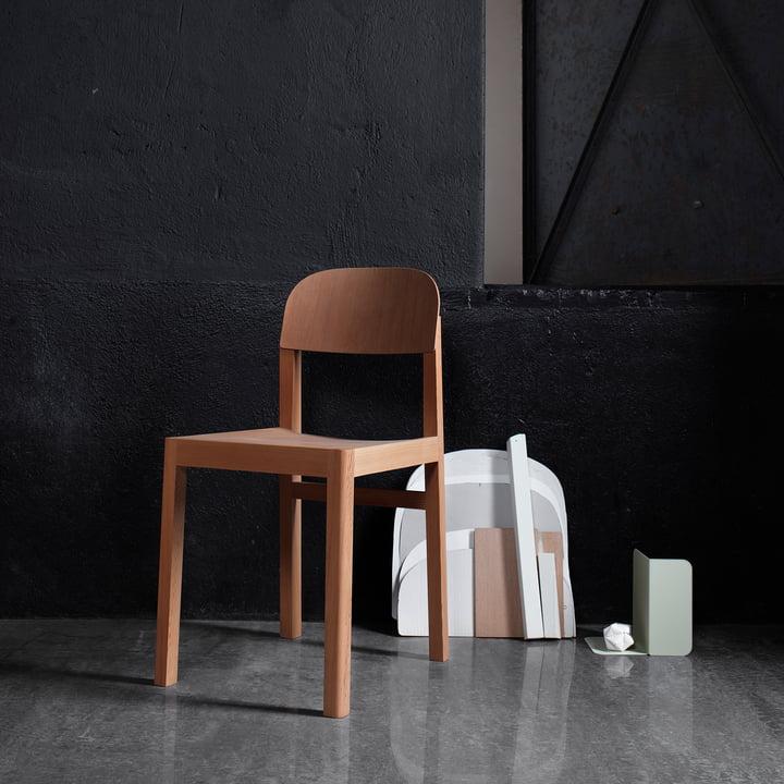 Der Workshop Chair von muuto in dunklem Raum
