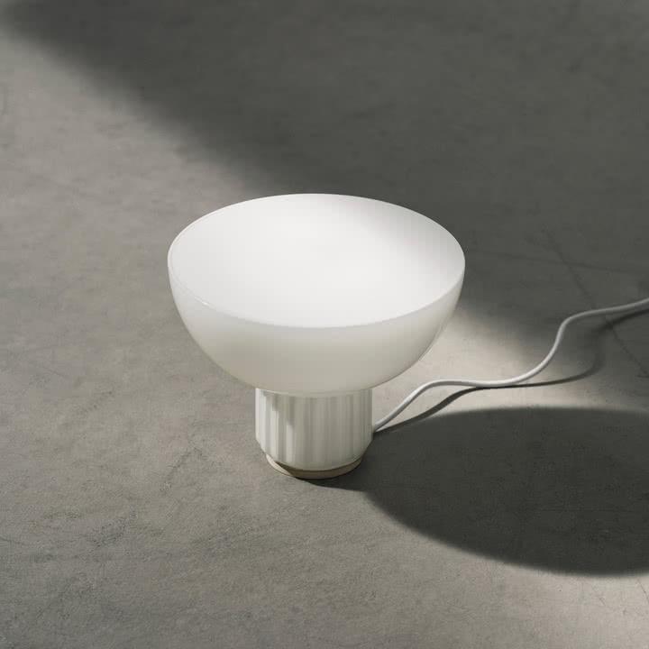 Standard Pendelleuchte von Menu als Stehlampe
