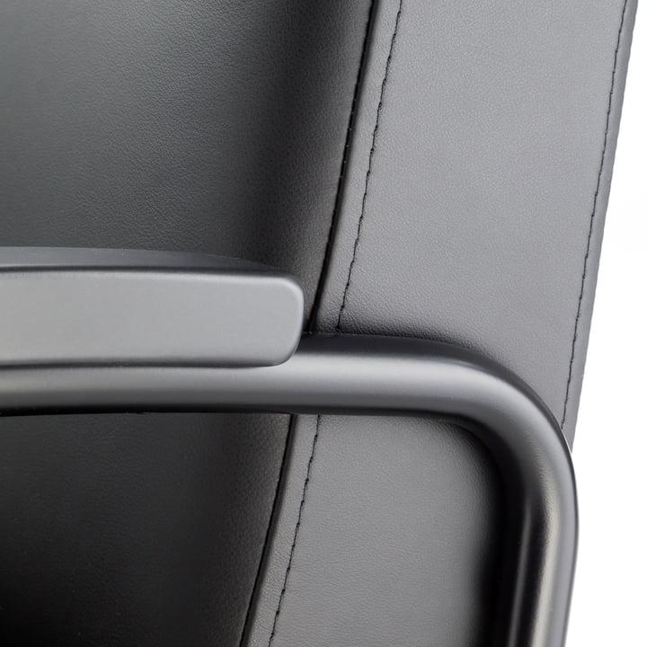 S 411 Sessel von Thonet in Schwarz