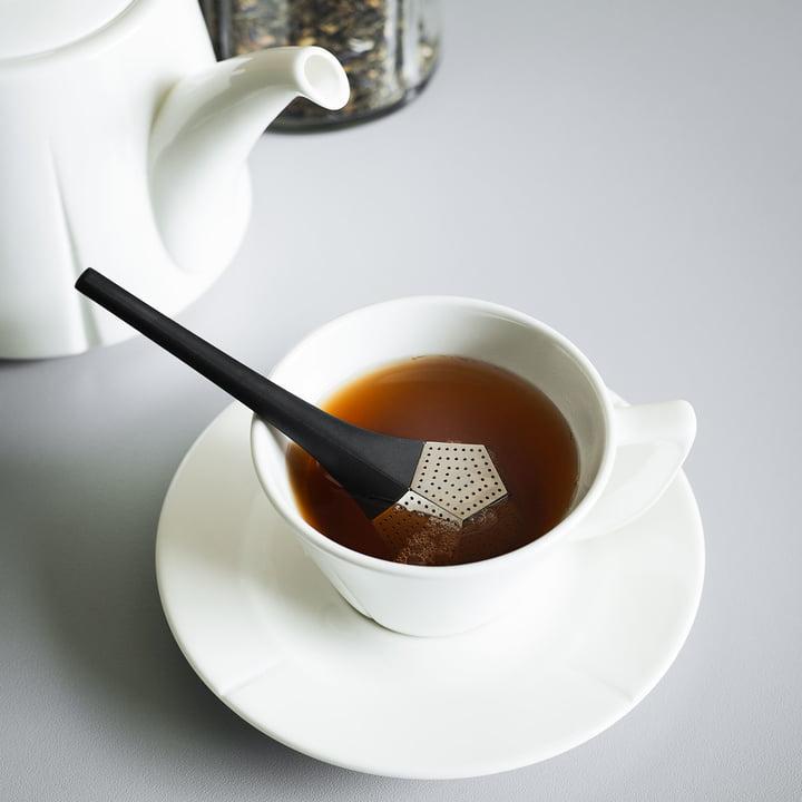 Teesieb Penta von Rosendahl in der Teetassee