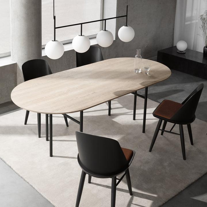 Snaregade Tisch und TR Pendelleuchte von Menu