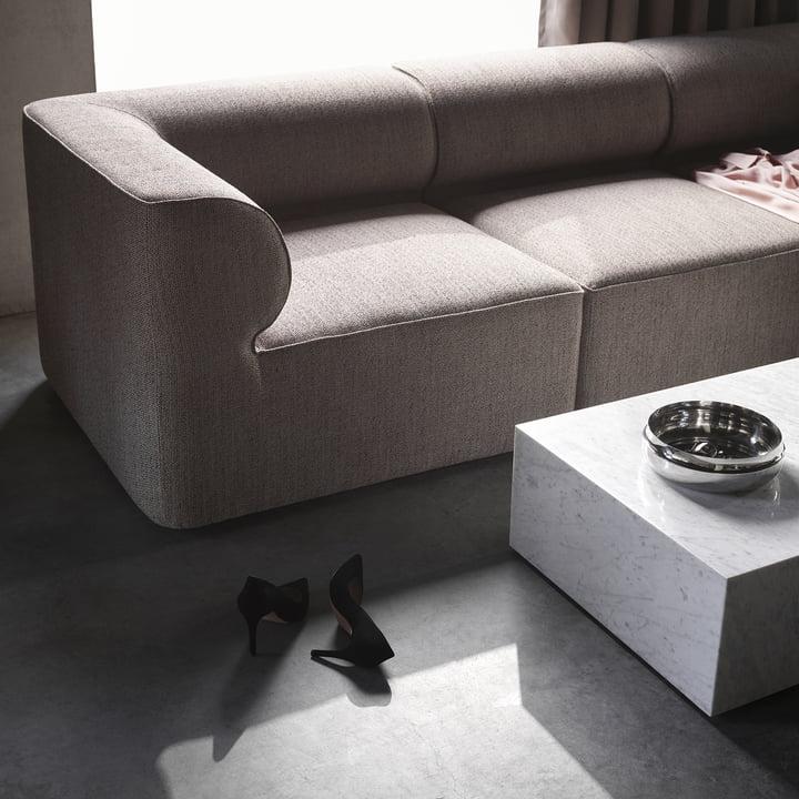Das Menu - Eave Modular Sofa in hellgrau mit Couchtisch