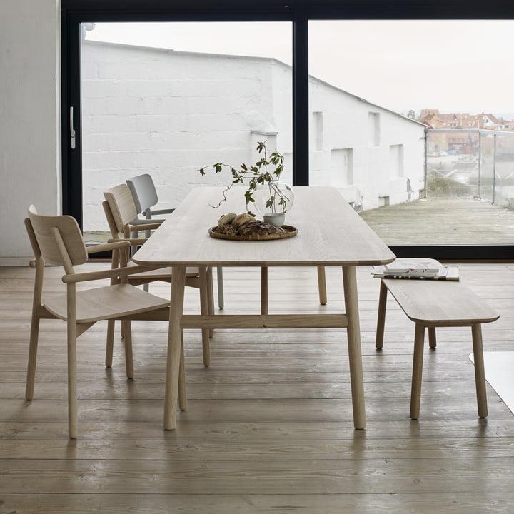 Die Skagerak - Hven Bank mit passendem Tisch und zugehörigen Stühlen