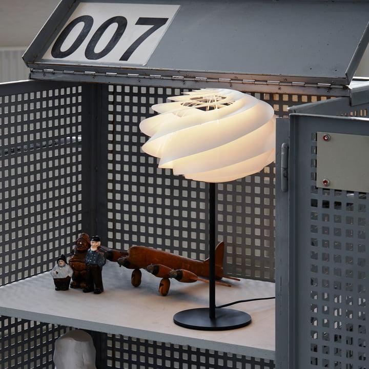 swirl tischleuchte von le klint connox. Black Bedroom Furniture Sets. Home Design Ideas