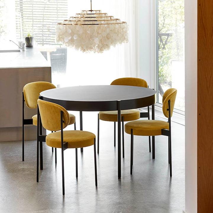 Verpan - Stuhl und Tisch 430 mit Fun Leuchte im Esszimmer