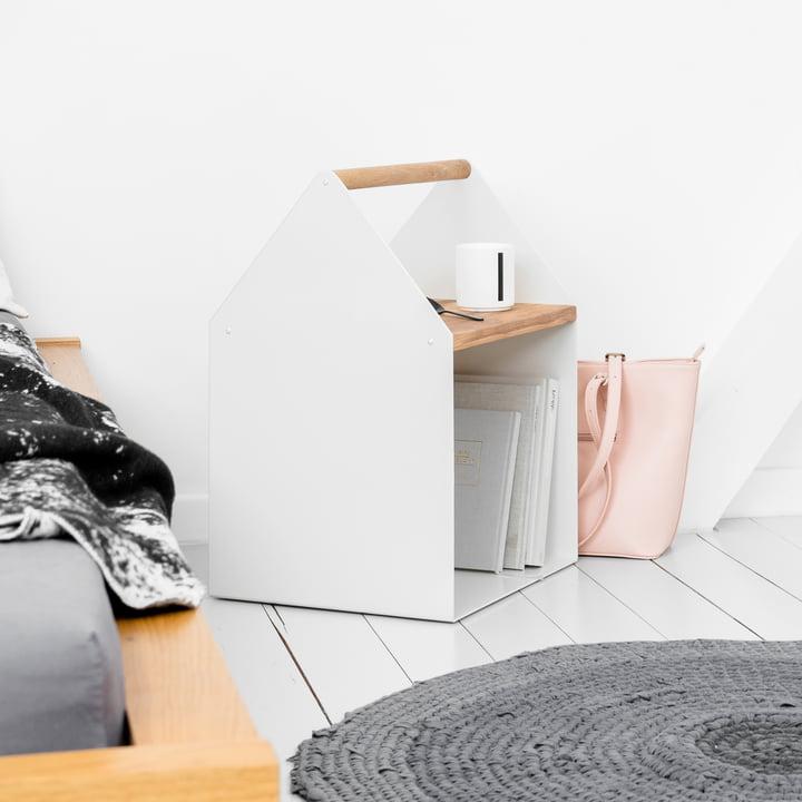 Tiny House Beistelltisch neben dem Bett