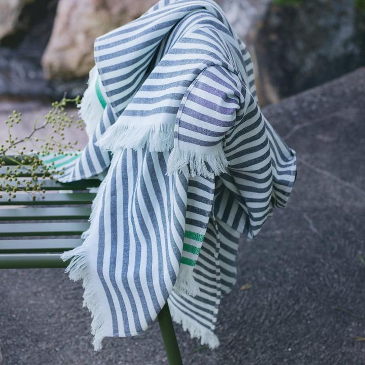 Tasaraita Handtuch-Serie von Marimekko in Schwarz / Weiß / Grün