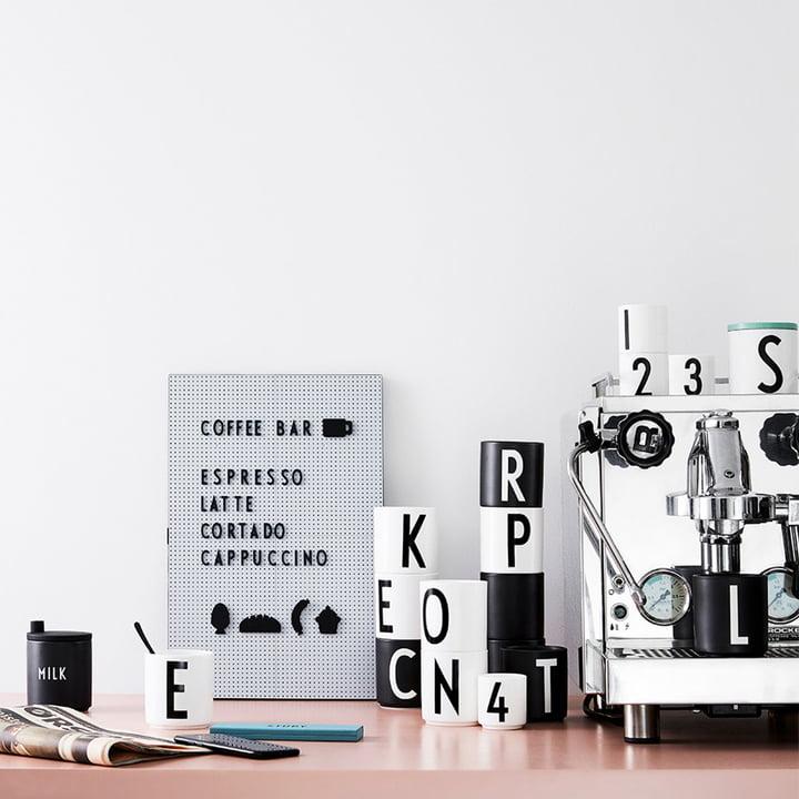 Die Design Letters - Nachrichtentafel mit zahlreichen weiteren Design Letters Produkten