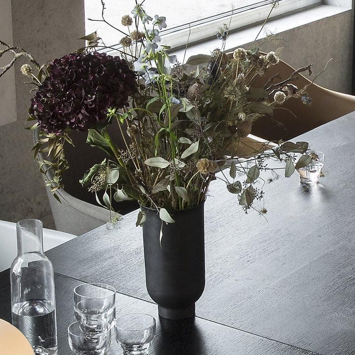 Cyclades Vase von Menu in Schwarz