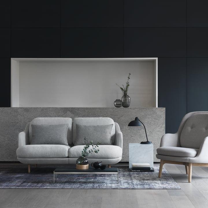 Das Fritz Hansen - Lune Sofa - 2 Sitzer - grau mit Fri Sessel