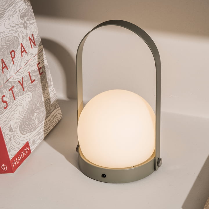 Carrie LED Lamp von Menu in Olive