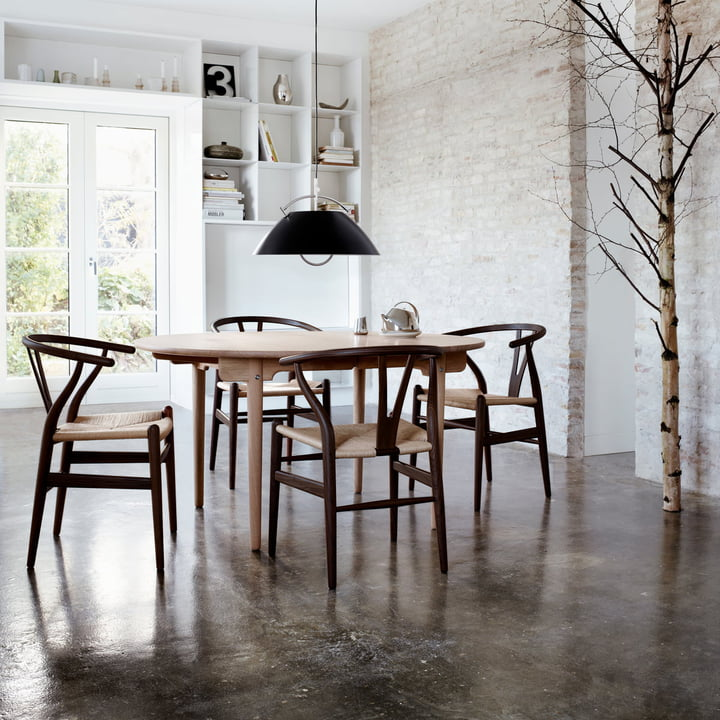 Carl Hansen präsentiert limitierte Sonderedition des CH24 Wishbone Chairs