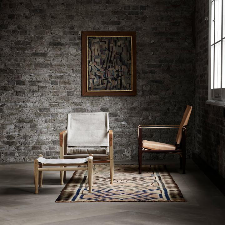 Der Carl Hansen - KK47000 Safari Chair mit Fußhocker im Wohnraum